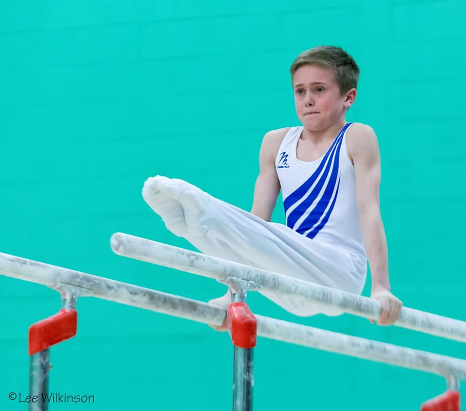 Elliot Vernon competing for England